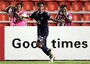 图文:[亚洲杯]泰国2-0阿曼 飞翔的通甘亚