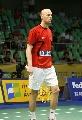 图文:羽球大师赛第二轮 丹麦选手准备比赛