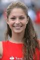图文:[F1]英国大奖赛美女 标准的微笑