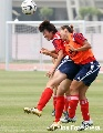 图文:[女足]马晓旭参加全队合练 奋力争顶头球