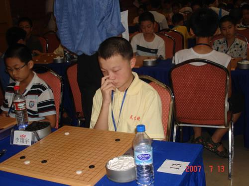 图文:[围棋]段位赛火热进行 西安小将安冬旭