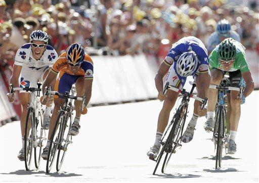 图文:2007环法第六赛段赛况 冲刺前追赶