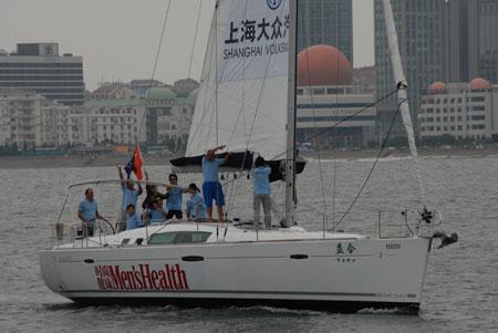 图文:2007相约奥运扬帆海上  青岛号胜利归航