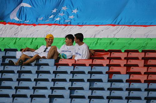 图文:[亚洲杯]乌兹别克5-0大马 现场球迷寥寥
