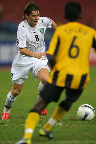 图文:[亚洲杯]乌兹别克5-0大马 卡帕泽不惧对手