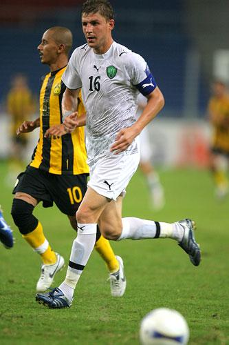图文:[亚洲杯]乌兹别克5-0大马 沙茨基赫跑位