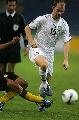 图文:[亚洲杯]乌兹别克5-0大马 盖因里希过人