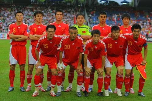 图文:[亚洲杯]中国VS伊朗 国足首发11虎将