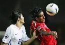 图文:[亚洲杯]韩国1-2巴林 伊斯梅尔头球攻门