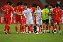 图文:[亚洲杯]中国2-2伊朗 中伊握手言和