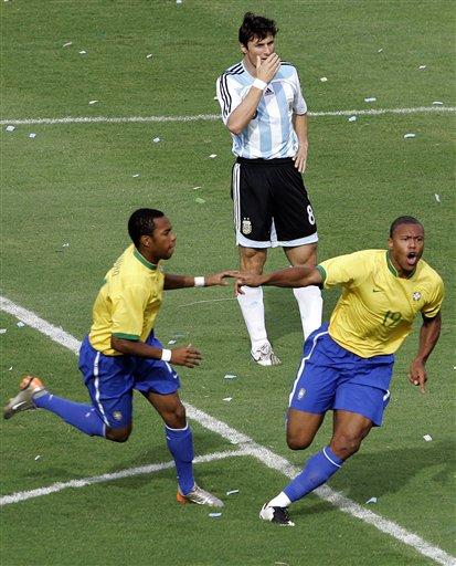 图文:[美洲杯]阿根廷VS巴西 巴普喜不自禁
