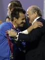 图文:[美洲杯]阿根廷0-3巴西 布拉特拥抱邓加