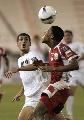 图文:[亚洲杯]伊拉克0-0阿曼 头球也能过人