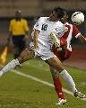 图文:[亚洲杯]伊拉克0-0阿曼 奋不顾身争顶