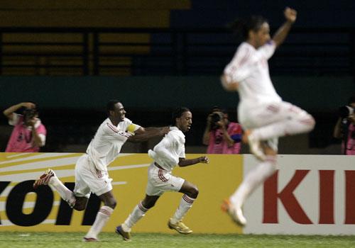 图文:[亚洲杯]卡塔尔1-2阿联酋 狂喜阿联酋