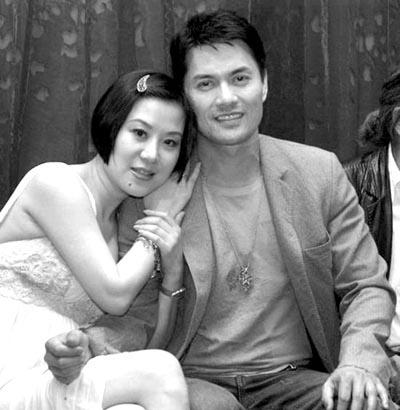 吕良伟与妻子