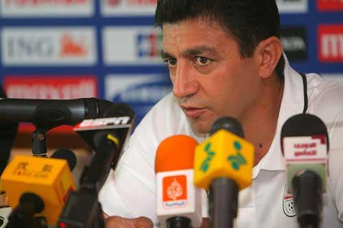 图文:[亚洲杯]伊朗赛前发布会 加里诺妙语连珠