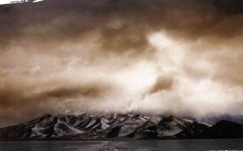神秘的喀拉库勒湖之冬