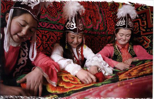 柯尔克孜族少女