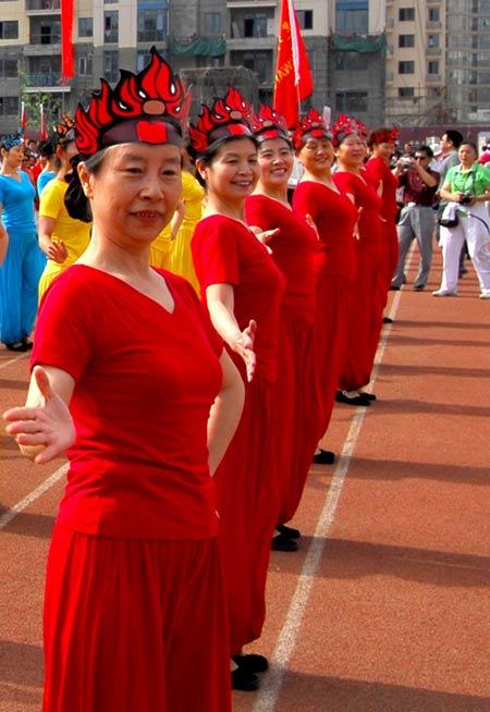 图文:建外街道第二届CBD文化节 中国红奥运心