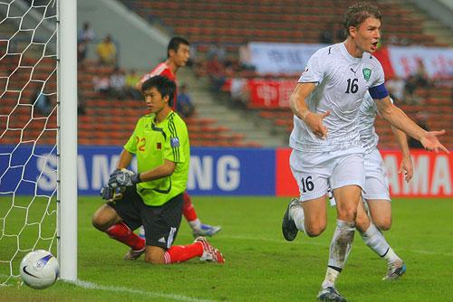 图文:[亚洲杯]中国0-3乌兹 亮剑击杀国足