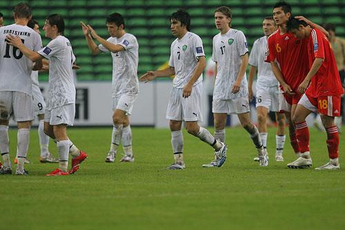 图文:[亚洲杯]中国0-3乌兹 惨败之后