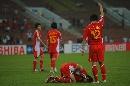 图文:[亚洲杯]中国0-3乌兹 朱挺受伤倒地