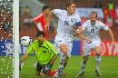 图文:[亚洲杯]中国0-3乌兹 皇马杀手名不虚传