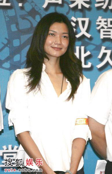 姜培琳微笑