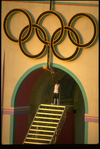 奥运开幕式火炬点燃方式:1984洛杉矶奥运会