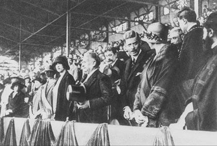 1924年,巴黎奥运会开幕式上的官员坐席