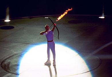 奥运开幕式火炬点燃方式:1992巴塞罗那奥运会
