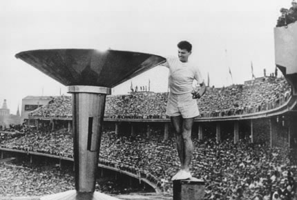 1956年11月22日,墨尔本奥运会开幕式现场