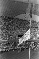 图文:1972年慕尼黑奥运会 开幕式降半旗纪念