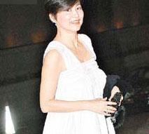 林青霞参加寿宴献热舞