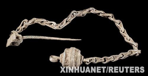 这是展出的北欧海盗的金链。