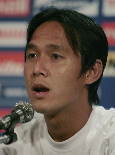 图文:[亚洲杯]越南VS伊拉克发布会 阮辉煌发言