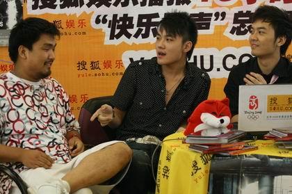 图:摇滚青年姚政做客搜狐