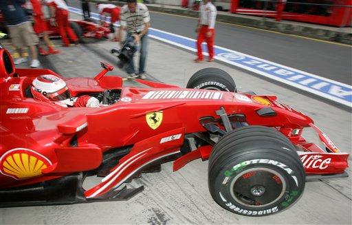 图文:[F1]欧洲站次回练习 莱科宁试车维修间