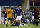 图文:[亚洲杯]日本VS澳大利亚 格雷拉红牌下场