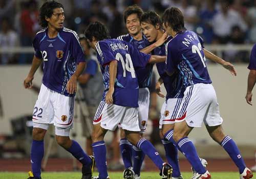 图文:[亚洲杯]日本5-4澳洲 庆祝高原进球