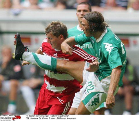 图文:[联赛杯]拜仁4-1不来梅 弗林斯又出一脚
