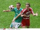 图文:[联赛杯]拜仁4-1不来梅 扬森阻挡对手