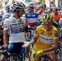 图文:环法自行车赛15赛段 拉斯姆森准备出发