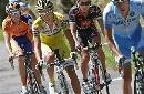 图文:环法自行车赛15赛段 四名车手互不相让
