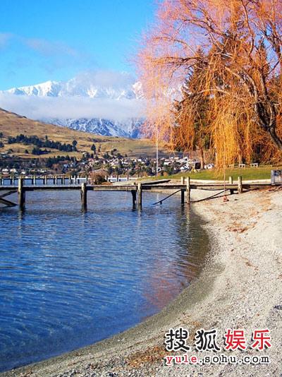 图:赵薇新西兰之旅-MV在美丽的瓦卡迪普湖拍摄