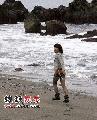 图:赵薇新西兰之旅-在无人岛留下脚印