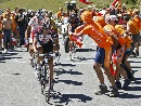 图文:环法自行车赛16赛段 各路好手激烈争夺