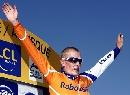 图文:环法自行车赛16赛段 拉斯姆森上台领奖