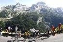 图文:环法自行车赛16赛段 比利牛斯山景色迷人